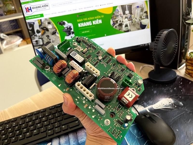 Dịch vụ thay thế mạch nguồn điều khiển máy ly tâm Hettich.jpg