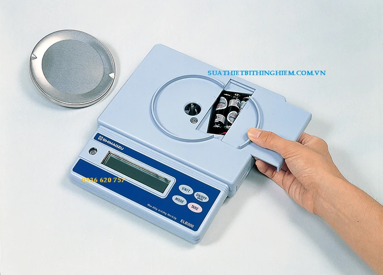 ELB-300 Có chức năng đếm mảnh để đếm mẫu.