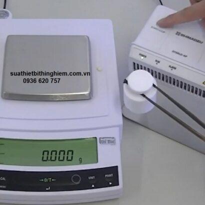 Cân điện tử Shimadzu UP623X 620g x 0.001g.jpg